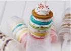 Пластиковый стаканчик-толкатель для бисквитных пироженных